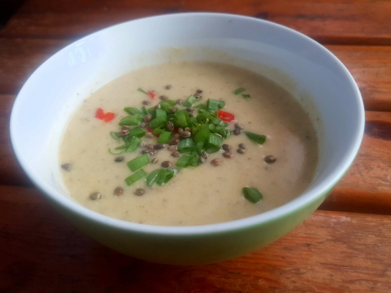 zupa krem z selera i nasion konopi